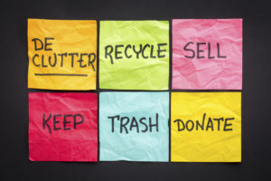 A series of post-its telling you to declutter your home and more.